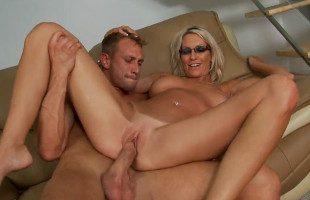 Image La madrastra quería sexo y su lefa