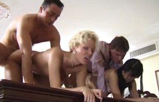 Image La reunión de trabajo se alargó por culpa de las secretarias