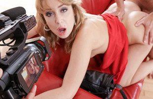 Image Rubia pija se apunta a un casting porno y acaba follada duro