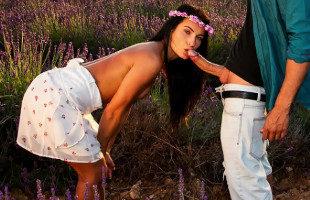 Image Morena pija aprovechó sus vacaciones para follar con un semental
