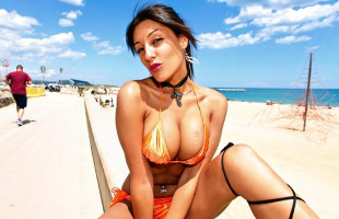 Image Natalia Zeta deja la playa para cabalgar el rabo de un semental