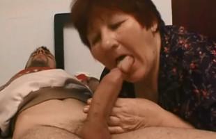 Image Ayuda a su abuelita y ella se lo agradece con una follada casera