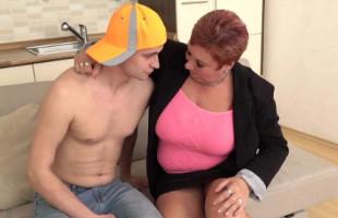 Image Alemana tetona pide a su sobrino que le meta el rabo en casa