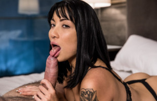Image Rina Ellis vuelve a gozar del sexo con su hombre tras mucho tiempo