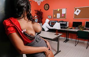 Image Missy Martinez folla con un joven cachondo en la biblioteca